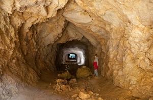 Höhle2