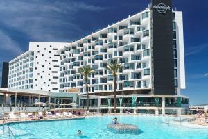 Hardrock-Hotel-Platja-den-Bossa-17-002